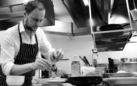Vaří šéfkuchař Ihnačák: večeře v Atomovém krytu