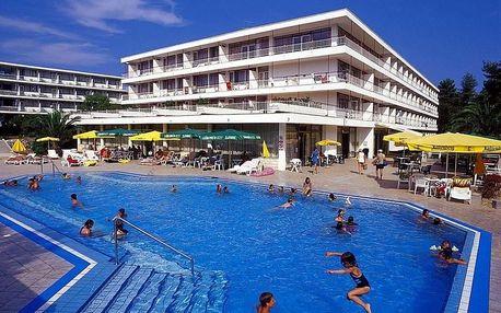 Chorvatsko - Hvar na 10 dní, all inclusive s dopravou autobusem, 50 m od pláže