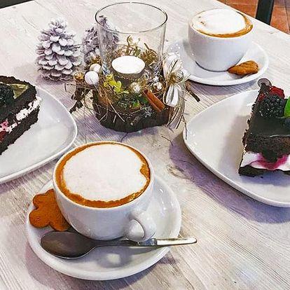 Posezení u kávy a lahodného dezertu pro dvě osoby