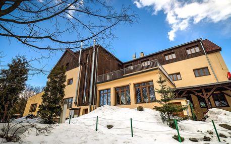 Rodinná lyžovačka s wellness v přírodě Jizerek