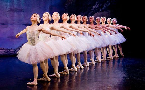 Baletní představení Labutí jezero