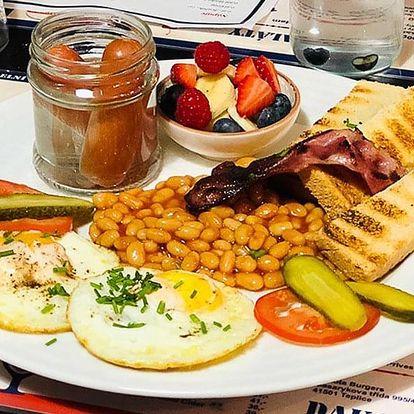 Snídaně pro 1 i 2: párky, slanina i zelenina