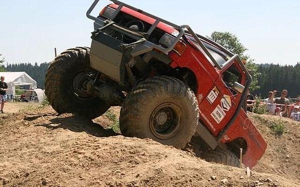 Žádná překážka není velká: Adrenalin za volantem Truck trialového speciálu2