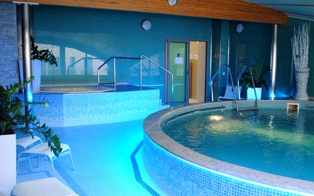 Hotel Venus v Karlových Varech s polopenzí, masáží a wellness