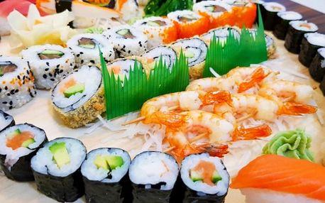 Sushi set s 46 ks: tuňák, losos, krevety na špejli