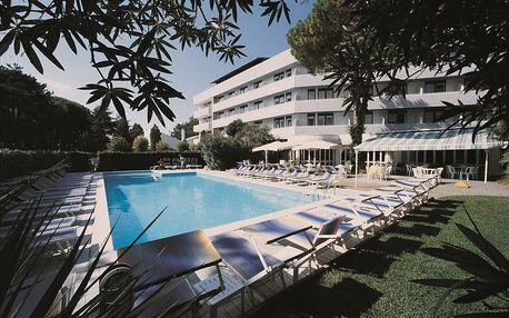 4–10denní Itálie, Lignano | Hotel Smeraldo*** 200 m od pláže | Dítě zdarma | Bazén, klimatizace | Polopenze