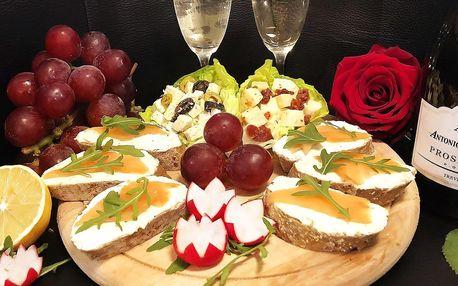 Valentýnské posezení: víno a prkénko dobrot pro 2