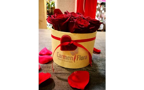 Carmen Flora