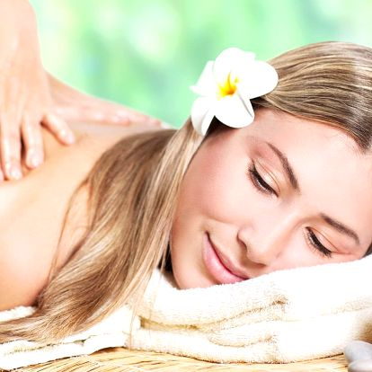 Hýčkání pro dámy: masáž, kosmetika i pedikúra