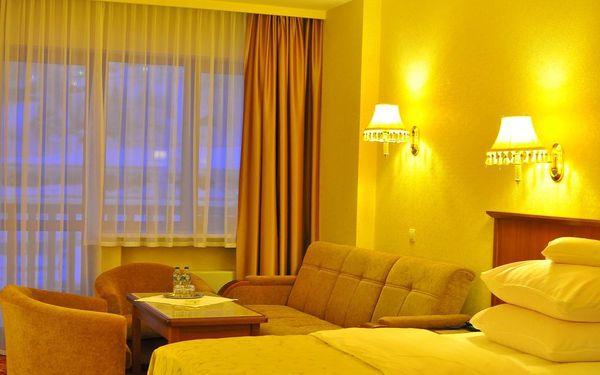 Dvoulůžkový pokoj s oddělenými postelemi a balkonem5