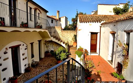 Itálie - Sardinie: Antico Borgo