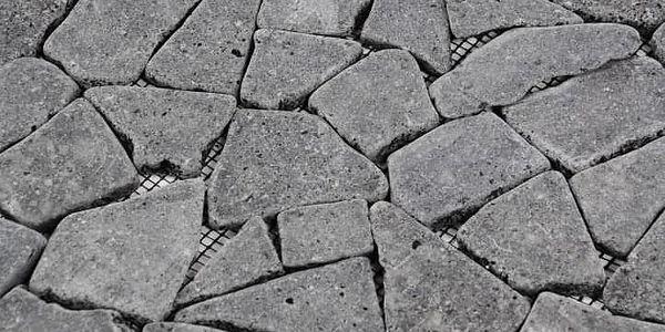 Garth Mozaika z andezitu - tmavě šedá obklady 1 m22