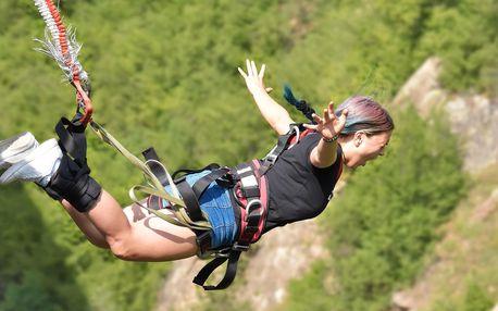 Bungee katapult: adrenalinový let do výšky 36 m