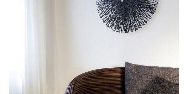 nástěnné hodiny Koziol Silk, černé2