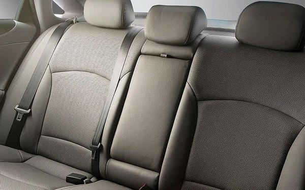 Čistění sedadel nebo nanokeramická ochrana vozu