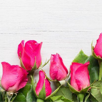 Pugét z holandských růží, gerber či slunečnic