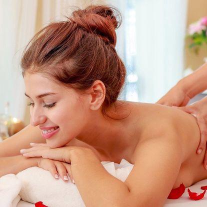 Aromaterapeutická masáž olejem z růže damašské