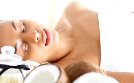 Exotická kokosová masáž, relaxace a nápoj