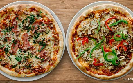 Posezení u dvou pizz v restauraci La Fonduta
