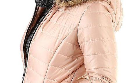 Prošívaná dámská krátká bunda s kožíškem světle růžová