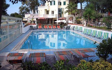 Itálie - Ischia na 8 dní, polopenze s dopravou letecky z Prahy, 200 m od pláže