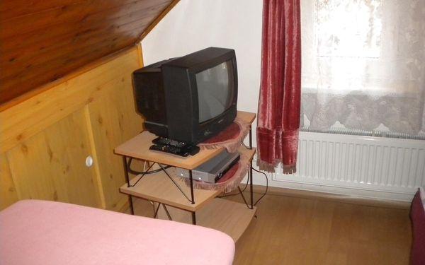 Dvoulůžkový pokoj s manželskou postelí3
