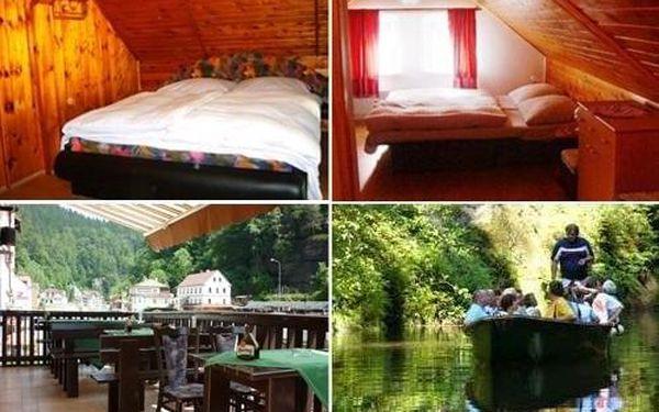Dvoulůžkový pokoj s manželskou postelí4