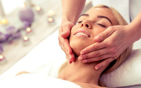 Masáž obličeje a dekoltu pro odstranění únavy