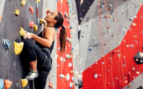 90–120 minut lezení na stěně s instruktorem