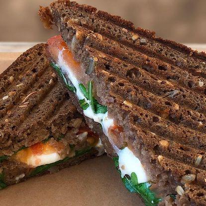 Teplé a křupavé sendviče pro 1 nebo pro 2