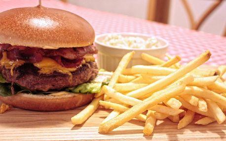 Burger z anguse, hranolky a salát pro 1 i 2 os.