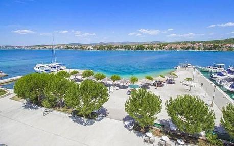 Dalmácie v Hotelu Spongiola **** s polopenzí, bazénem a pláží + 2 děti zdarma