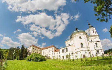Pobyt na Zámku Křtiny v Moravském krasu se vstupem do jeskyně
