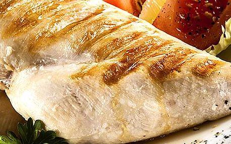 Kuřecí kapsa plněná sýrem, hranolky, tatarka, salát a presso s mlékem až pro 4 osoby.