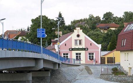 Hluboká nad Vltavou: Restaurant Pension L-Club