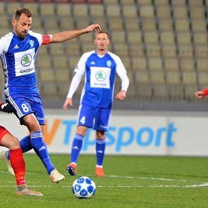 Fotbalový zápas Boleslav vs. Sparta i klubové šály