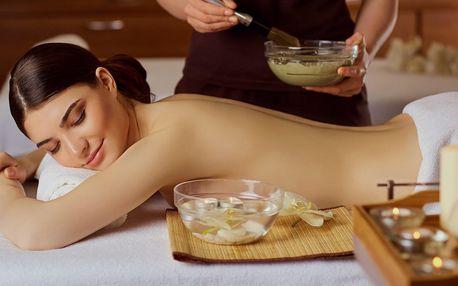 Hýčkající masáž pro ženy i muže vč. zábalu z bylinek