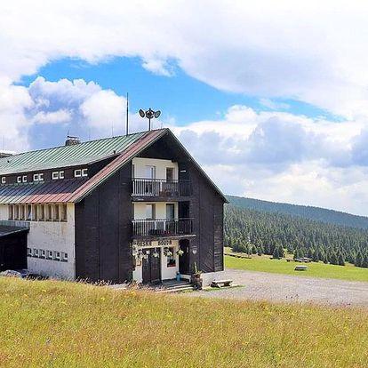 Krkonoše: Dvorská bouda s polopenzí a saunou + termíny nejen v létě