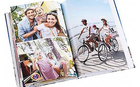 Fotokniha 40 stran s fotografiemi dle vlastního výběru a neomezeným počtem na každé straně.
