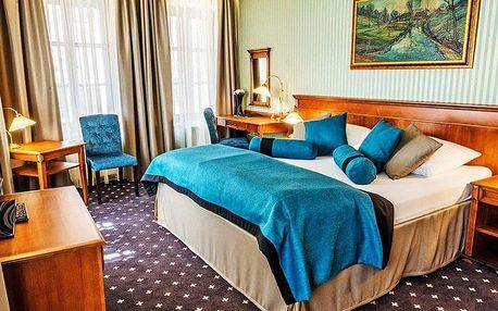 Česká Lípa ve 4* hotelu Morris s wellness, procedurami i polopenzí + sekt jako dárek