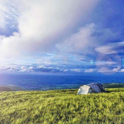 Krkonoše ve stanu na horské pláni se snídaní, termoskou čaje a vstupem do sauny
