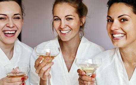 Dámská jízda s polopenzí a wellness pro 4 kamarádky