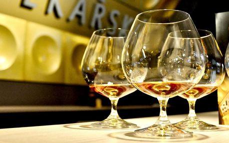 Degustace rumů a nachos k zakousnutí v Metro Baru