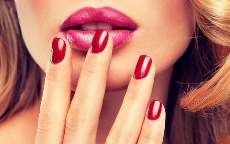 Péče o ruce: Modeláž gelových nehtů včetně zdobení