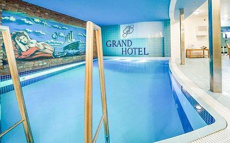 Třebíč v Grand Hotelu *** s polopenzí a neomezeným vstupem do bazénu