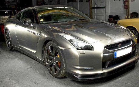 30 minut řidičem sportovního vozu Nissan GT-R