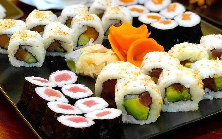 Až 42 kusů sushi i s hovězí polévkou