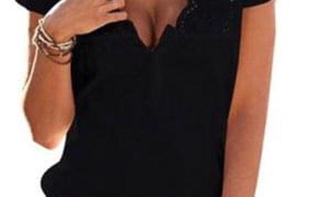 Letní šaty s drobnými výřezy