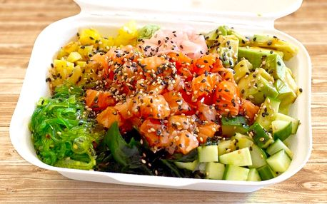 Havajské poke bowl s rybou, krevetami nebo vege
