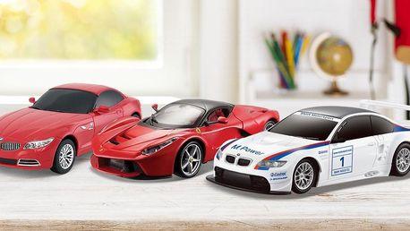 Autíčka na dálkové ovládání: BMW i Ferrari